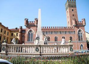 Monumento_all'Unità_d'Italia_ad_Asti_1[1]