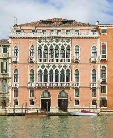 Palazzo_Pisani_Moretta_(Venice)[1]
