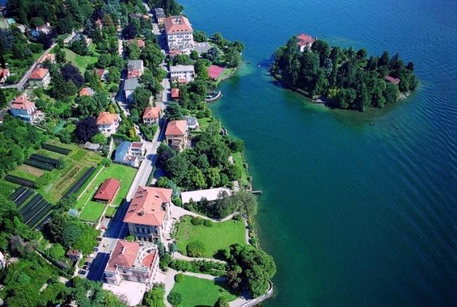 Isolino-di-San-Giovanni-Lago-Maggiore[1]